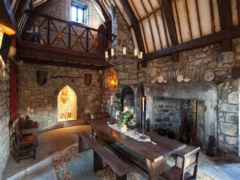 Dining room furniture northern ireland, medieval castle great hall castle medieval banquet hall