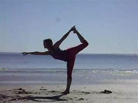 imagenes yoga en la playa yoga en la playa youtube