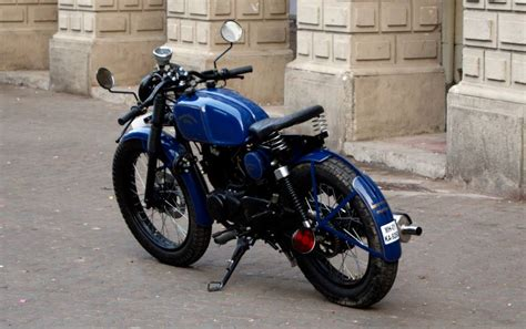 Modified Bikes In Hyderabad by Bajaj Pulsar 150 Turned Into A Neat Cafe Racer