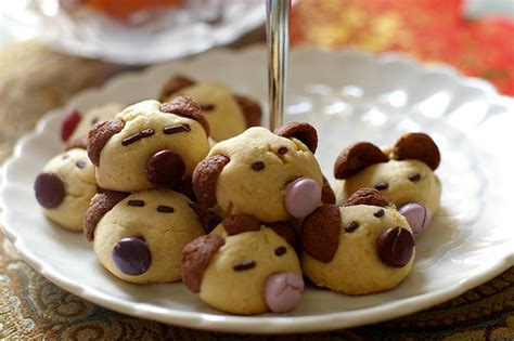 new year white biscuit horlick animal cookies some look like bears some look
