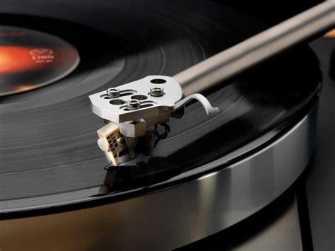Exclusive Vinyl Highland Park - the exclusive sondek lp12 delivers enjoyable