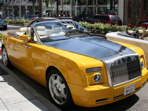 yellow rolls royce wraith spotted a quot bijan yellow quot rolls royce phantom drophead