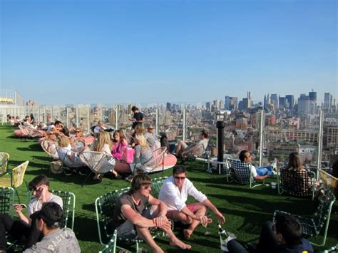 standard roof top bar manhattan living 183 the standard hotel nyc new york hot spots with cool views