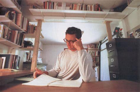 Chuck Palahniuk Essays 36 writing essays by chuck palahniuk litreactor