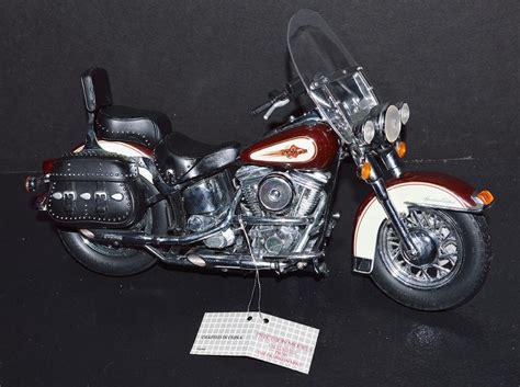 Harley Davidson Diecast by Franklin Mint 1 10 Die Cast Bike Harley Davidson Heritage