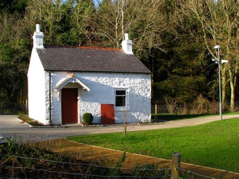 Lock Keepers Cottage Belfast by Restored Lock Keeper S Cottage Near 169 Rossographer