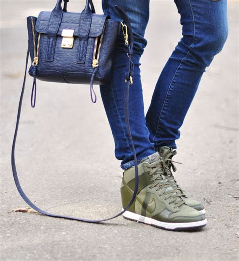 Promo Sepatu Wanita Nike Wedges Sky Dunk High Suede 1 buy nike with wedge sepatu nike indonesia shoes discount for sale