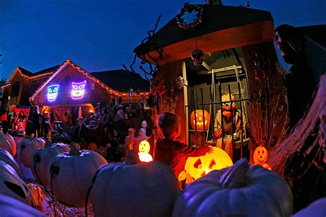 halloween decorations for the home when is halloween 2015 and how to celebrate the spooky