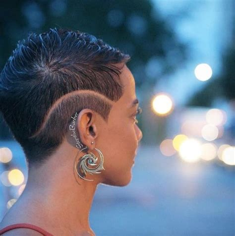 5 popular short stacked haircuts for black women cruckers