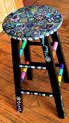 Is Black Stool Serious by 1000 Ideas About Painted Stools On
