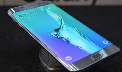 s6 samsung galaxy s6 edge launch tech technology gaming news galaxy s6 edge we get our hands on samsung s fabulous