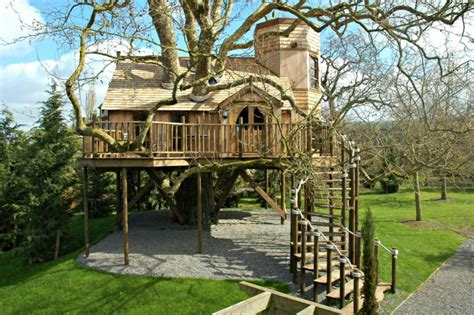 tarzan boat tennessee 10 fantastic treehouse homes that will blow your mind