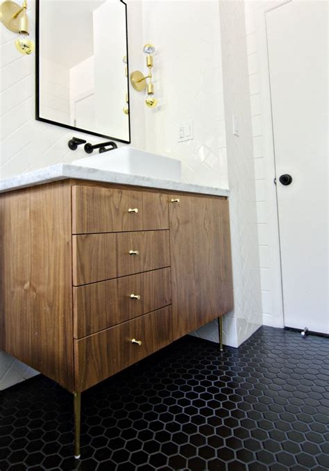 Mid Century Bathroom Tile by Best 25 Mid Century Bathroom Ideas On Mid