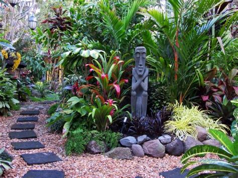 Tropical Garden Ideas Pictures 25 Best Ideas About Tropical Gardens On Tropical Backyard Landscaping Tropical