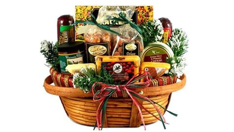 what to put in a christmas basket top 5 gift baskets to buy heavy