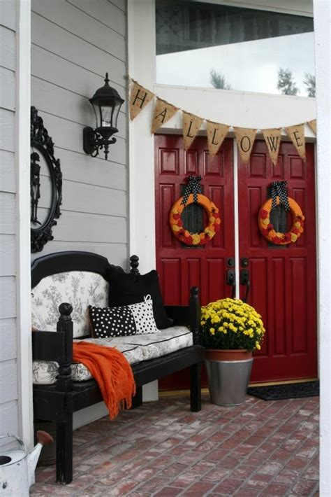 best holiday decorating ideas houzz mysterious and creepy front porch decorating ideas for themescompany