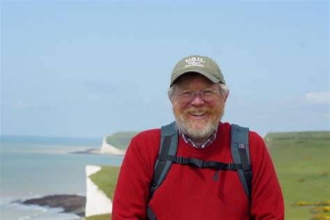 best bill bryson book author bill bryson to receive honorary degree from ui
