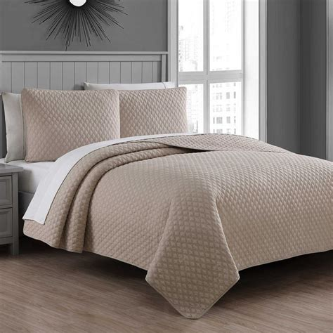 Bed Bath And Beyond Bedroom Ls by Fenwick Quilt Set Bed Bath Beyond Bedroom Ideas