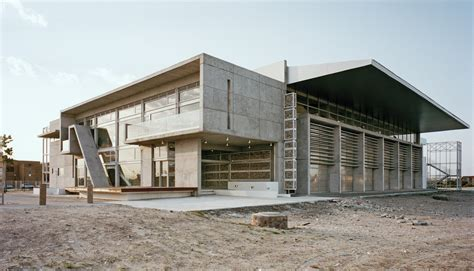 Town N Country Hospital Detox by 7 Architects Designing A Diverse Future In Africa Archdaily