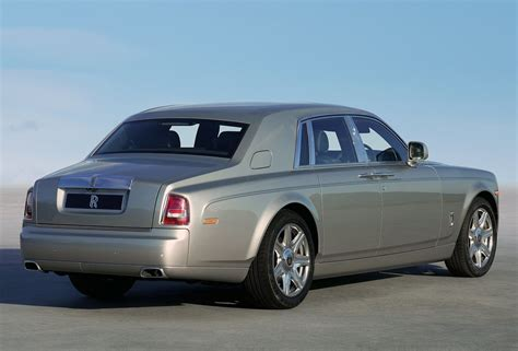 rolls royce phantom rear 2013 rolls royce phantom 3 quarter rear