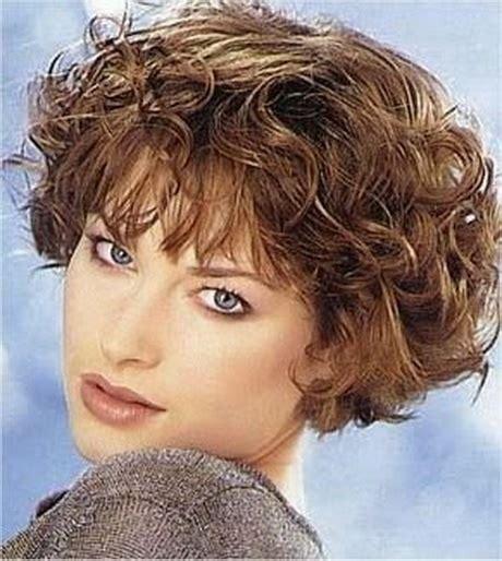 Haarstijlen Vrouwen by Haarstijlen Krullen Vrouwen