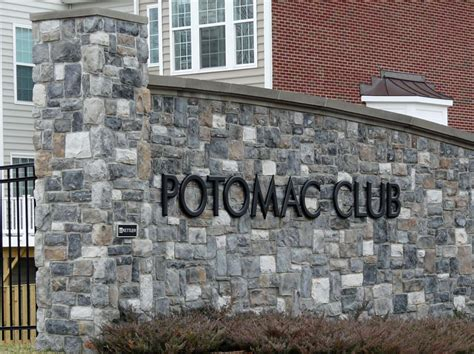 potomac club woodbridge gated condominium and townhome commumity homes for sale