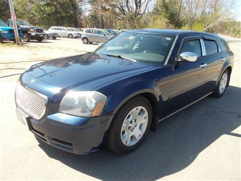 sell   dodge magnum chrome package se wagon  door