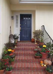 House Front Door Colors Best 25 Yellow Houses Ideas On Yellow House Exterior Gray Front Door Colors And