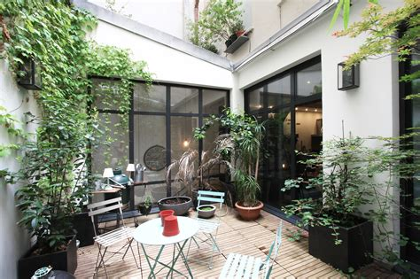 un patio 2e loft avec patio agence ea