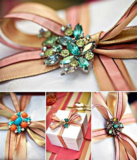 creative wrapping with ribbon vintage jewelry package