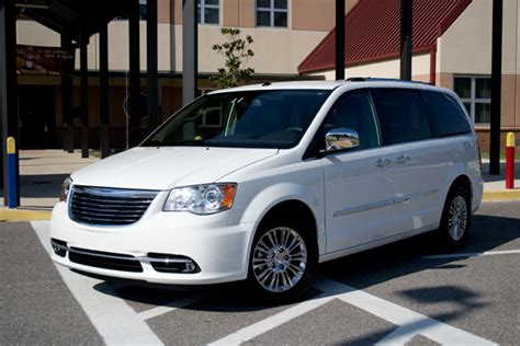 2011 chrysler town and country limited 2011 chrysler town country limited review test drive
