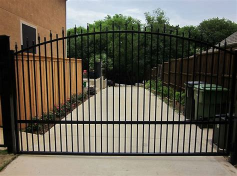 outside gates photo gallery fences gates dallas fort worth outdoor kitchens patios