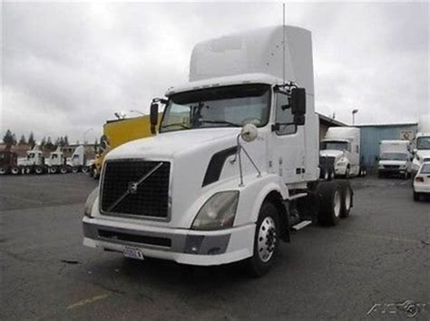 volvo 2010 truck 2010 volvo trucks box trucks for sale used trucks on