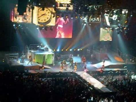 best of both worlds tour wikipedia hannah montana miley cyrus best of both worlds tour 01 31