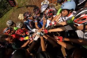 Sepeda Polygon Cozmic Rider cozmic collosus rider gathering keep spining the day