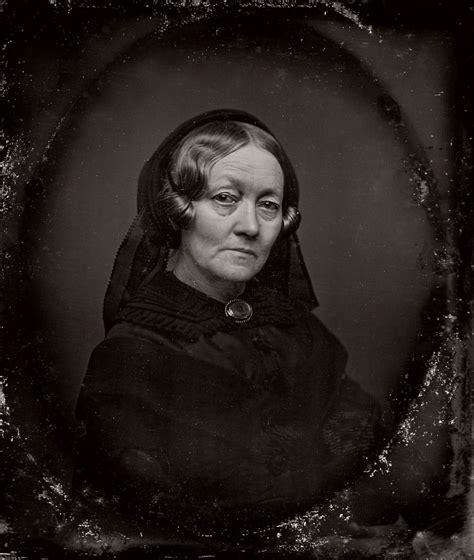vintage daguerreotypes  widows  mourning victorian