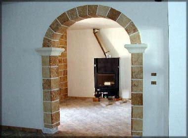 rivestimento arco interno casa rivestita in pietra in pietra con rivestimento
