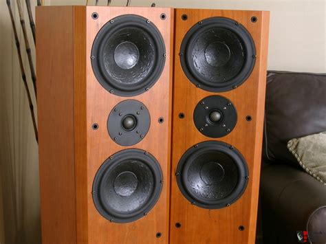 nice speakers usher v 604 floor standing speakers mint nice photo