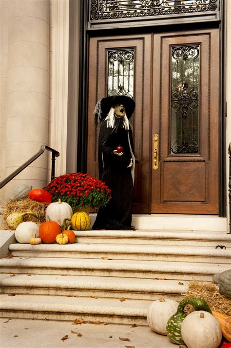 home decorating ideas for halloween 125 cool outdoor halloween decorating ideas digsdigs