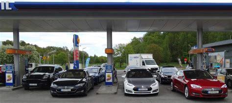 Tesla Gas Stations Bev Ing A Gas Station Tesla Club Sweden