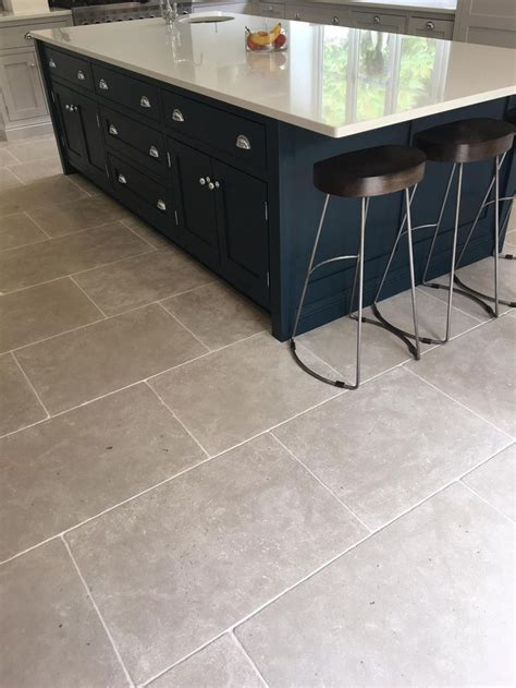 gray tile kitchen floor 23 best images about kitchen flagstones and floor tiles on