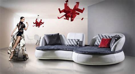 poltrone morbide divano con linee arrotondate e morbide idfdesign