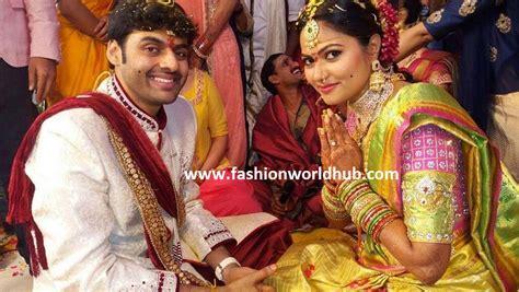 zee telugu heroine family photos zee telugu iddaramaiyula tv serial actress suhasini