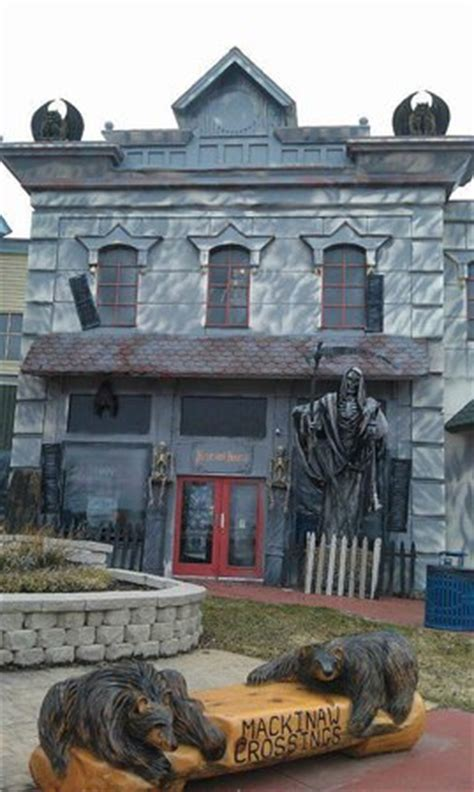 the house mackinaw awesome review of mackinaw manor haunted house