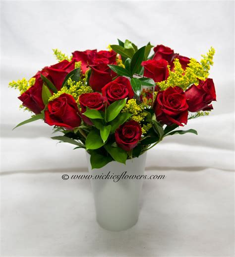 roses anniversary love flowers bouquet arrangement