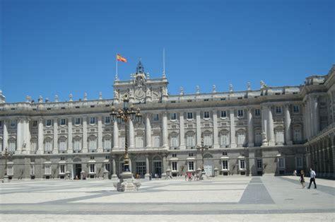 entrada palacio real palacio real de madrid la pen 237 nsula ib 233 rica