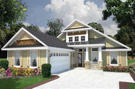 Ranch House Plans With 2 Master Suites by Great Curb Appeal House Plan 150 1008