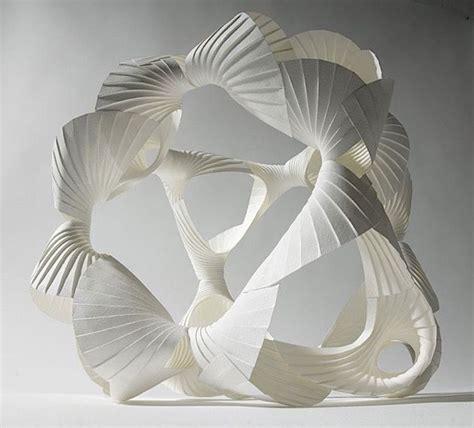kunst aus papier aufwendige papier skulpturen richard sweeney