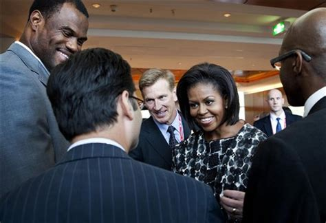 michelle obama chicago tickets michelle obama works the crowd at mayor richard m daley s