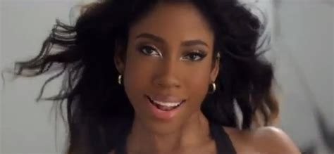 sevyn streeter hair color chris brown introduces singer sevyn streeter on 106